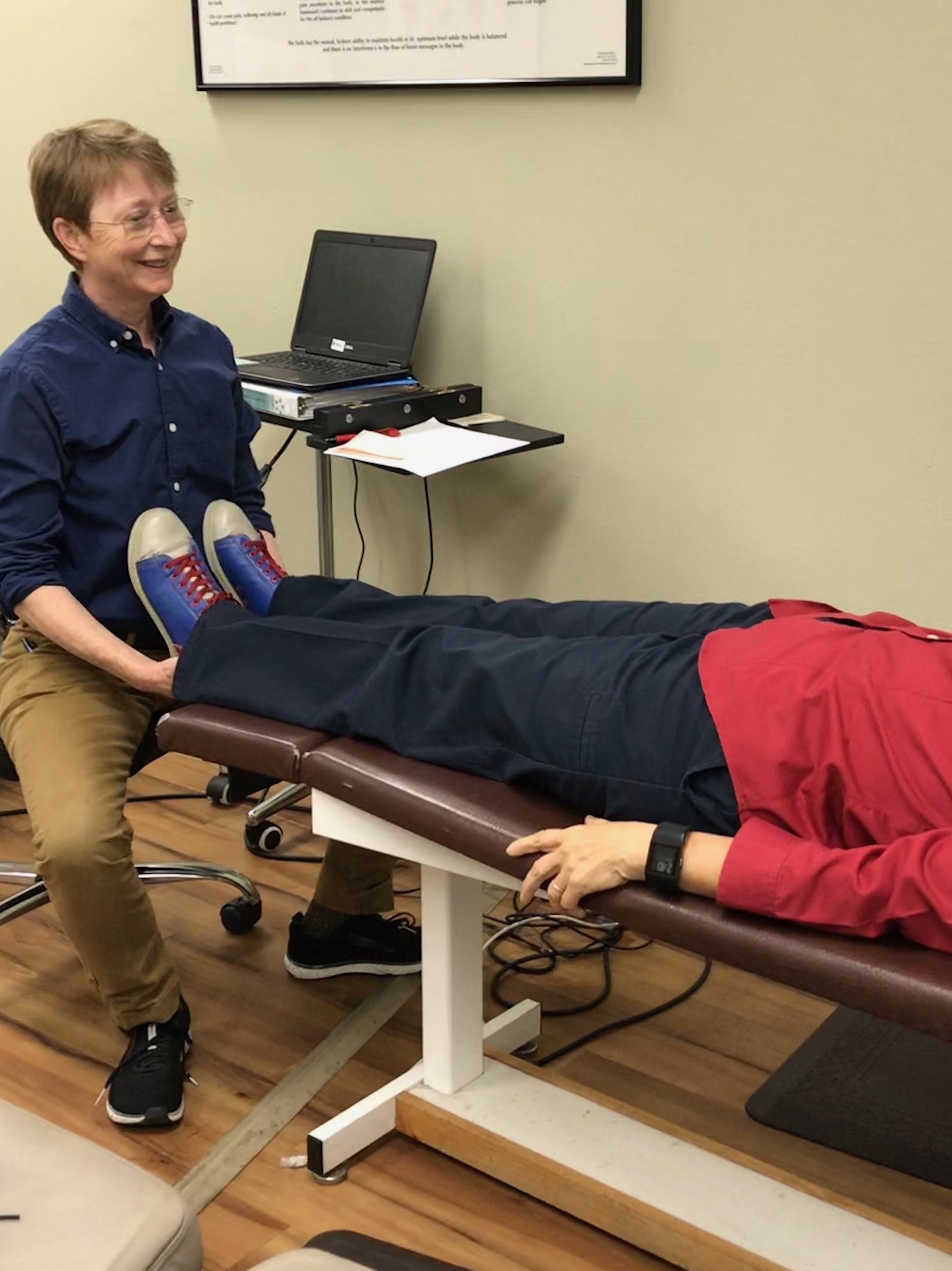 Dr. Whitehead performing Austin chiropractic adjustment